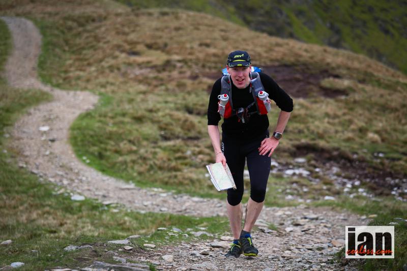 På väg upp mot Harter Fell. Foto: Ian Corless