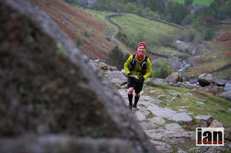 Niklas på väg upp till Stickle Tarn. Foto Ian Corless