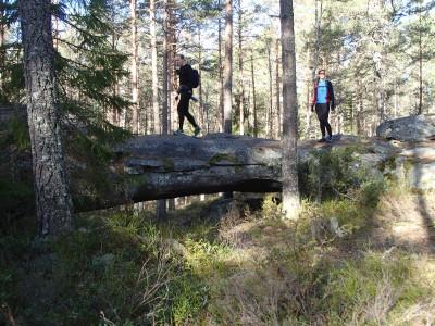 Bågberget. En 10 meter lång naturlig stenbro!