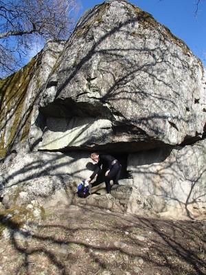 Den mäktiga kammarstenen vid Ånhammar.